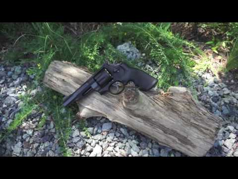 Shooting the Smith and Wesson M&P R8 .357 Magnum Revolver