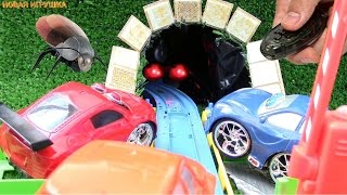 Мультик Приключения машинок. Паровоз и микро-робот Муха.(Мультик Приключения машинок - это забавные истории игрушечных машинок и обзоры новых игрушек в одном ролик..., 2016-07-07T13:00:01.000Z)