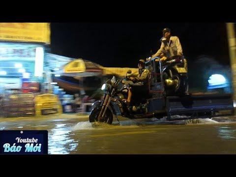 Triều cường dâng đỉnh điểm, dân Sài Gòn kêu trời - Tin Tức Mới