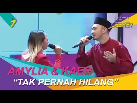 Amylea dan Kaer perform lagu