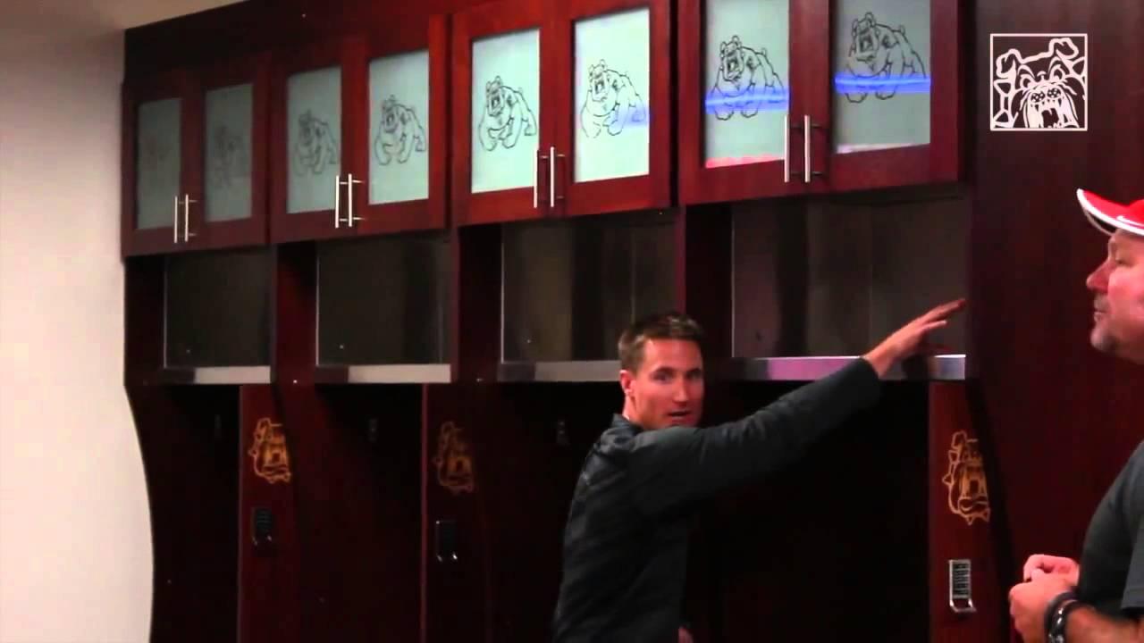 Fresno State Bulldog Players React to Locker Room - YouTube
