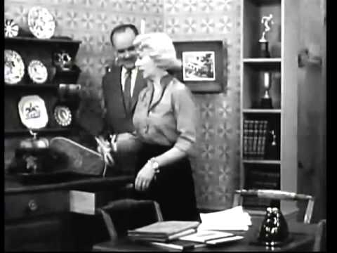 THE GEORGE BURNS and GRACIE ALLEN     George Gets a Black Eye from an Open Door  4th Season  wi