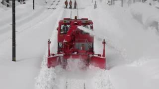 Railway rotary snowplow vehicle 2012.1.29 JR高山本線 笹津駅 Sasazu ...