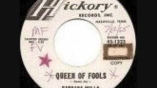 Queen of fools -  Barbara Mills