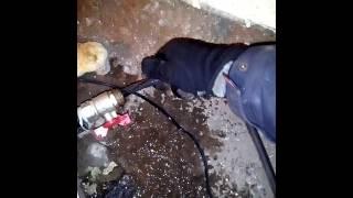видео Как отогреть замерзший водопровод