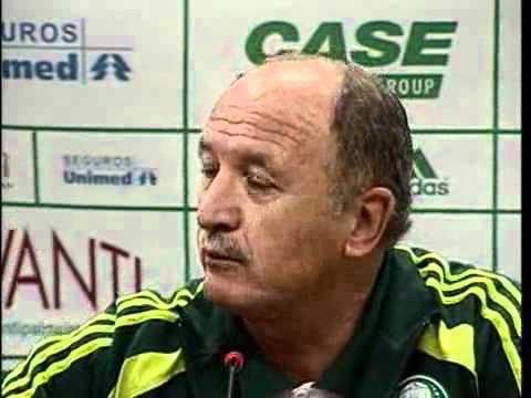 Felipão colocando reporter no seu devido lugar - Scolari irritado, xinga.