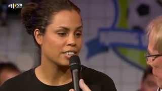 Geraldine Kemper en Alex Pastoor vs. Rocky Hehakaija - KONING VOETBAL