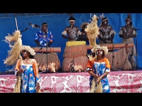 "Kanak dance by women of the ""We Ce Ca"" group, New Caledonia"