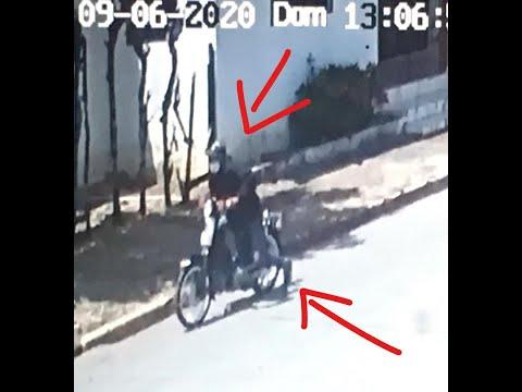 Captado en cámara un ladrón que roba una motocicleta en Payita.