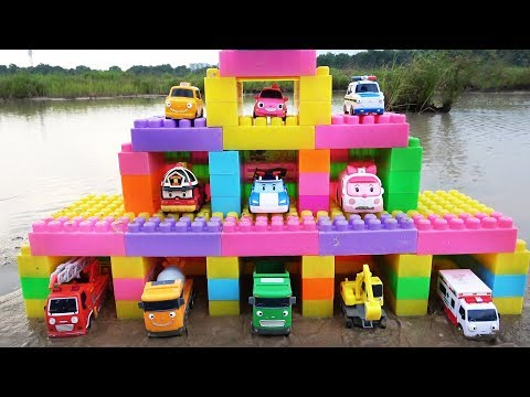 Building Parking Garage Cars with Tayo the Little Bus and Robocar Poli Toys