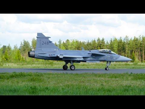 Seinäjoki Airshow 2017 Swedish Air Force Gripen 39248 solo display