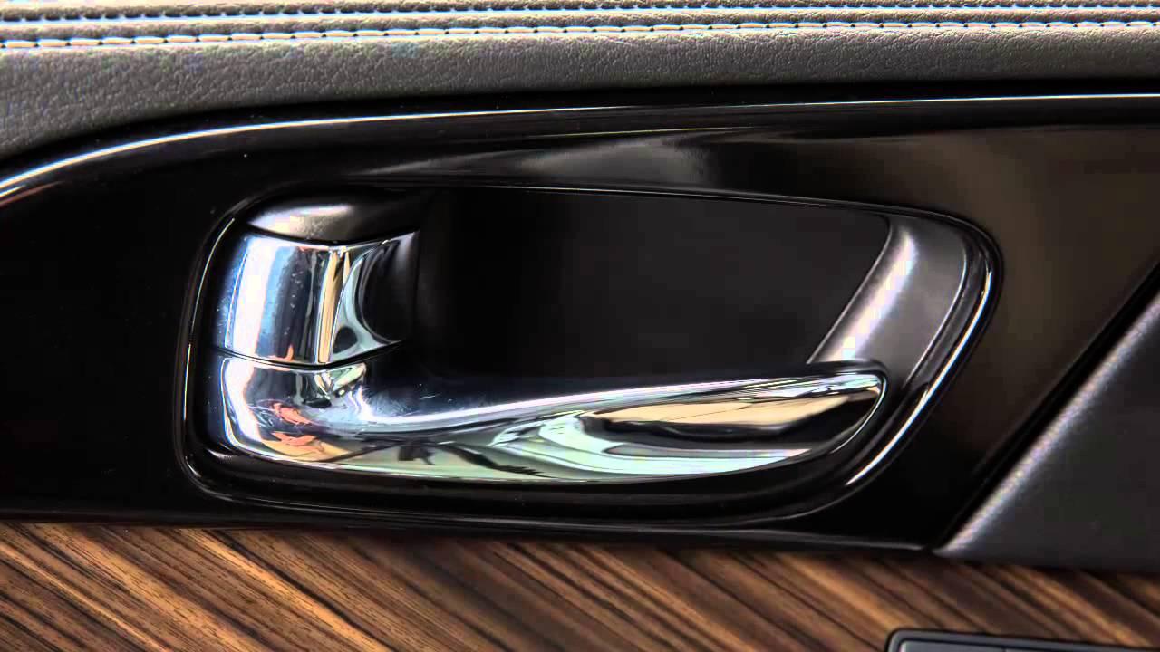 Nissan Maxima: Automatic door locks