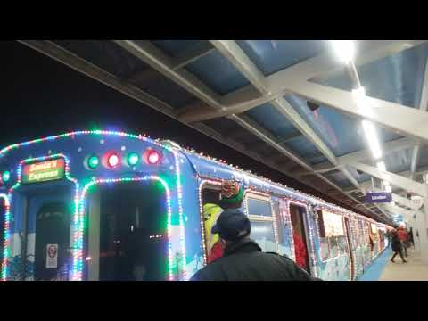 2017 Jewel Osco CTA Holiday Train on the Purple Line leaving Wilson (12/21/17)