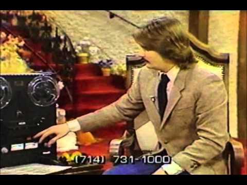 Televangelistas haciendo el ridículo buscando mensajes subliminales (1982)