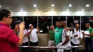 بالصور والفيديو.. كواليس بعثة الزمالك في المطار قبل السفر إلى جنوب إفريقيا