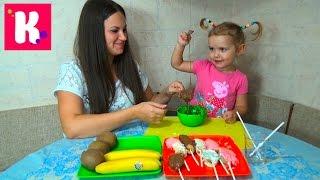 Фруктово - шоколадные конфетки на палочке делаем дома сhocolate fruits pops make at home