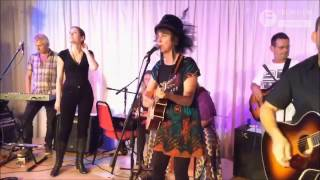Frome FM Soundcheck Presents Sara Vian - Bless My World