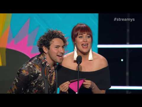 Mamrie Hart and JC Caylen Present Creator of the Year to Dolan Twins - Streamys 2017