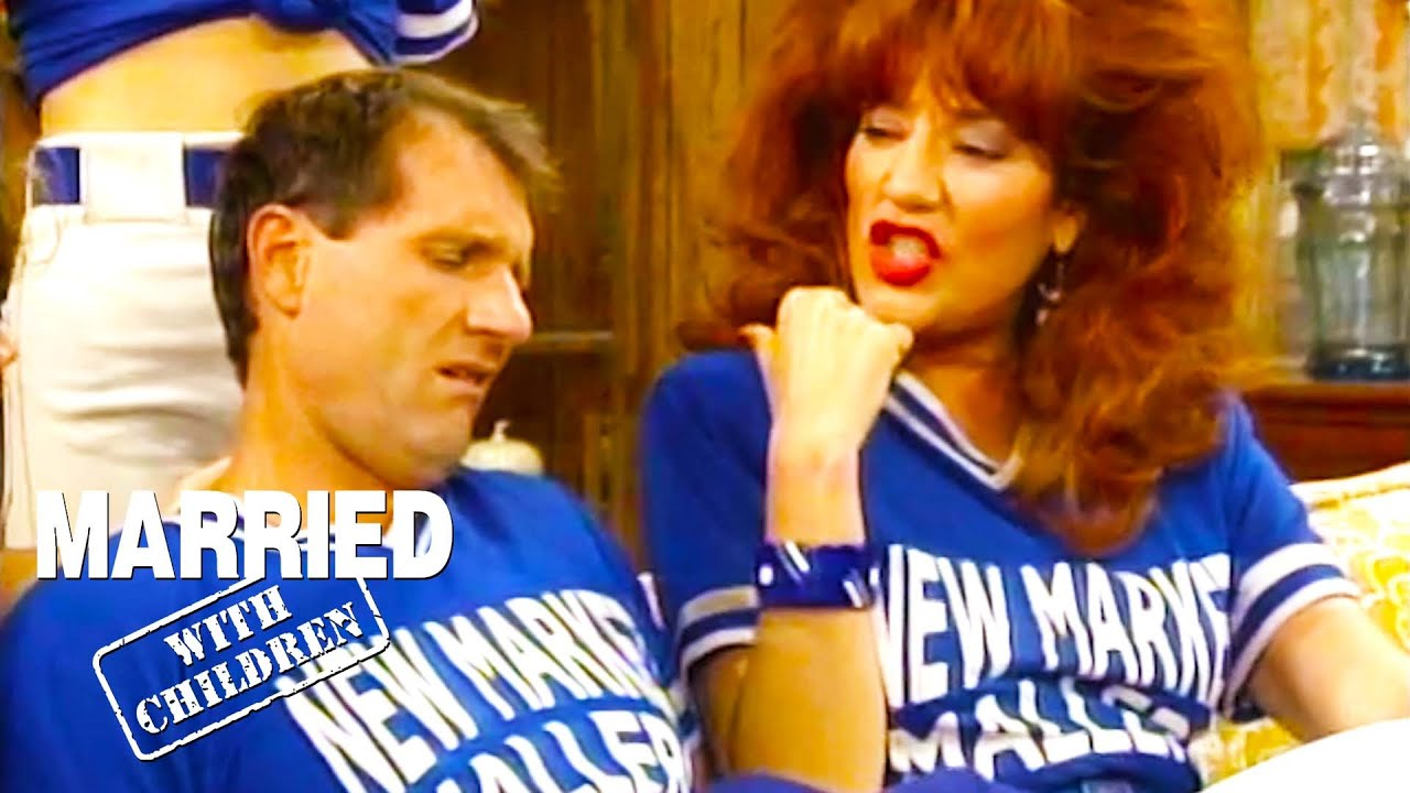 Al Stinks At Softball   Married With Children