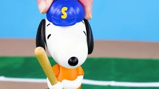 Snoopy Toy Play | McDonalds Happy Meal Toys: Snoopy Baseball champion | Kids Cartoon