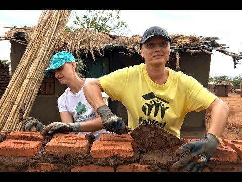 Voluntarii Habitat For Humanity România Construiesc Case în Malawi - Short