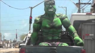 amarraram-o-hulk-na-saveiro