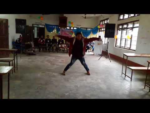 Godabari Banaima || cover || Manish Gurung Dancing in holi special program.