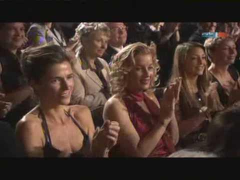 Ursula Karusseit erhält die Goldene Henne 2009 für ihr Lebenswerk