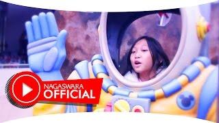 Qezzhin - To Be A Star - Official Music Video - NAGASWARA