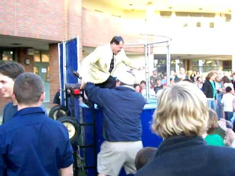 Coronado Elementary School Teacher Gets Dunked