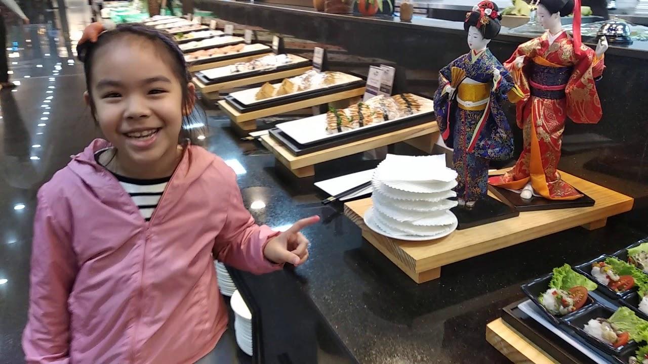 Ngọc Minh đi ăn buffet ở nhà hàng cao cấp Marris Lotteria Mipec