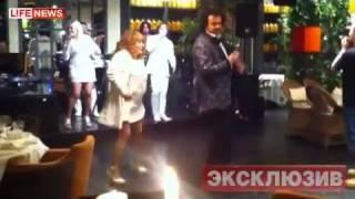 Пугачева отплясывает на собственной свадьбе