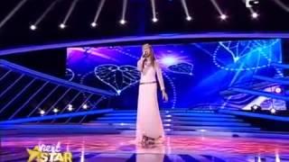 الطفلة الوحيدة التى غنت اغنية تايتنك وادهشت لجنة الحكام والجمهور
