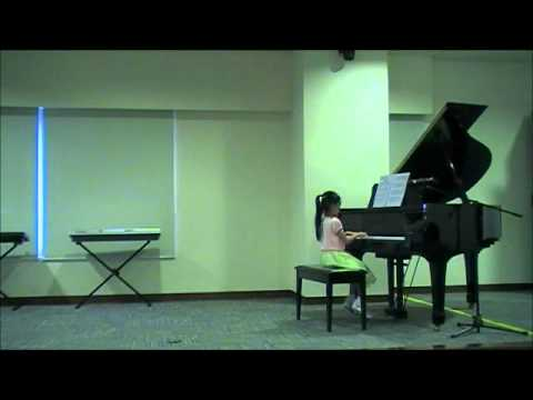 TSKYMusic Musikgarten Singapore keyboard student play My Laughing Chimpanzee.wmv