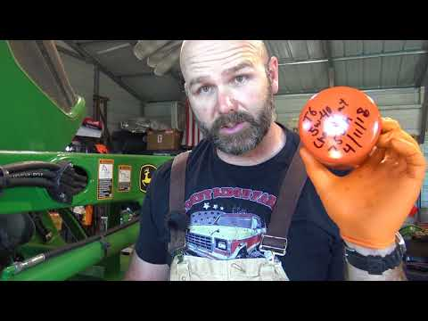 DETAILED....HOW TO SERVICE YOUR TRACTOR..JOHN DEERE 5065E AND MORE