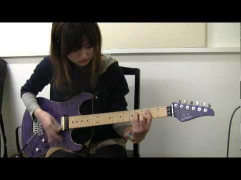 """AKB48 - """"ヘビーローテーション"""" を弾いてみた。by Miki Kato"""