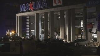 Sabrukusi Zolitūdes Maxima Rīgā, notiek glābšanas darbi
