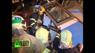 First video from inside collapsed train in Moscow metro, emergency in search & rescue