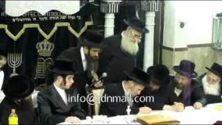 Engagement of oldest einikel of the Slonimer Rebbe - Teves 5771