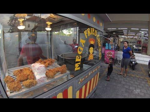 Indonesia Bali Street Food 1895 Mega Fried Chicken YDXJ0910