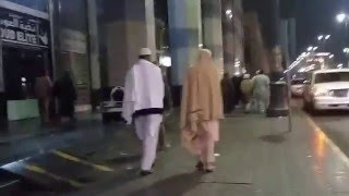 Walking to Masjid Nabawi in Madinah from hotel