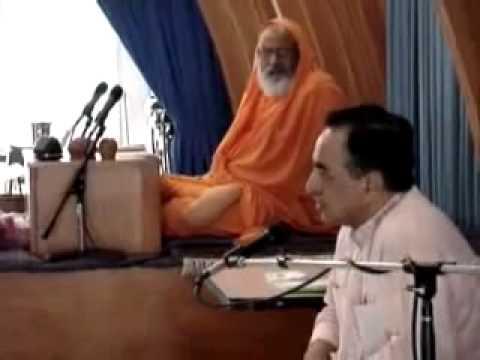 Subramanian Swamy with Swami Dayanand Saraswathi on Hindu Under Siege