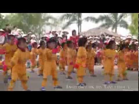 Đồng diễn thể dục lớp 4 tuổi A Trường mầm non Thuỵ Quỳnh 2013