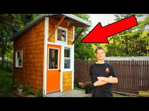 Школьник построил собственный дом. Вы просто ахнете, когда увидите, что внутри!