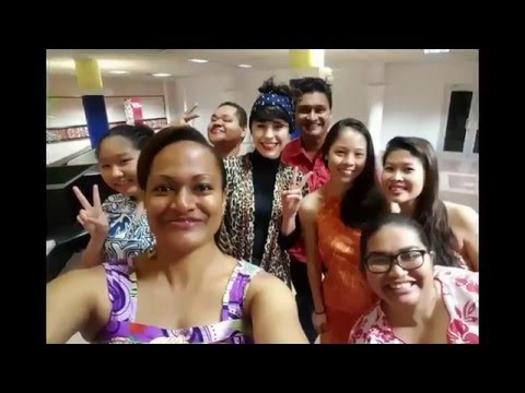 Kimbra's singing surprise at Fiji Airport