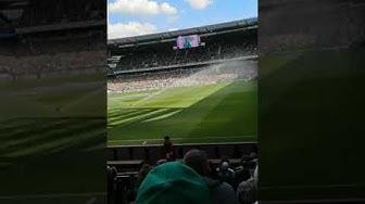 Claudio Pizzaro hat verlängert Info im Stadion