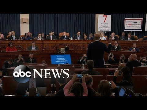 Explosive impeachment testimony, Democrats clash in debate, wild airport chase | ABC News