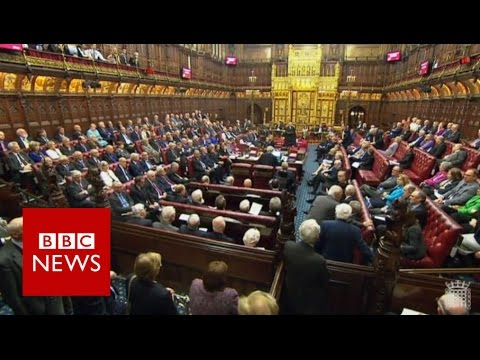 Brexit bill: Parliament clears way for talks with EU - BBC News