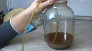 КОНЬЯК ИЗ САМОГОНА-КАК СДЕЛАТЬ.Видео #2-приготовление коньяка.(Естественно,это не настоящий коньяк,а спиртное, со вкусом коньяка.Но оно сделано своими руками и точно,лучш..., 2015-02-01T07:50:27.000Z)