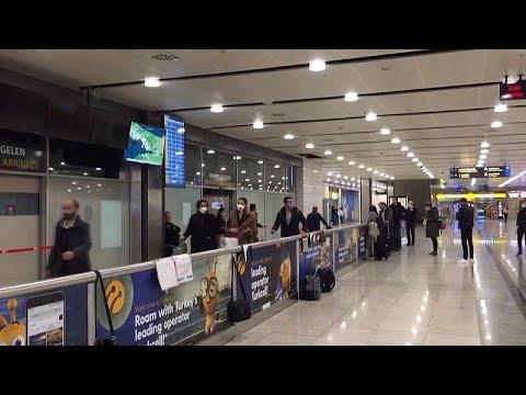 Uçuşların geçici süreyle durdurulduğu İngiltere'den dönmek isteyen vatandaşlar İstanbul'a ulaştı…
